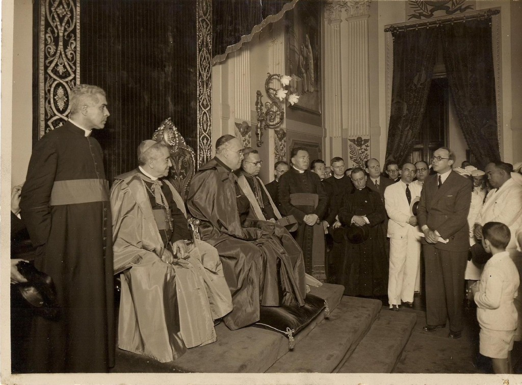 Alceu discursando para o Cardeal D. Leme - 1935