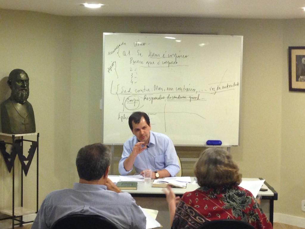 Prof. Carlos Frederico e suas anotações de aula