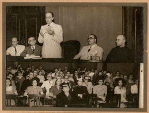 Alceu-discursando-no-Centro-Dom-Vital-1938-1024x774